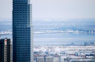 Pont Champlain et tour grande hauteur.